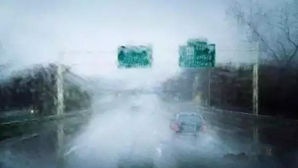 光沿直线传播的图片_开车遇暴雨请戴墨镜,99%的司机都不知道这个秘密-微信播报-阳光 ...